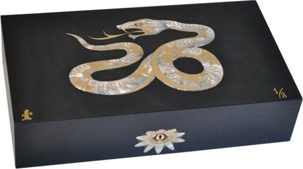 Elie Bleu Mother-of-Pearl Snake begrenzte Auflage schwarzer Humidor (Nummeriert 1-8)